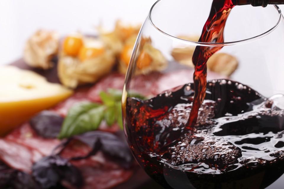 ארוחת גורמה ויין